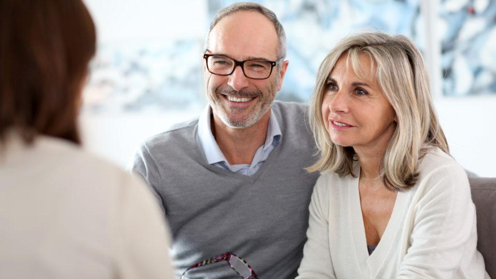 Consultez régulièrement votre conseiller pour faire le point sur votre contrat obsèques.