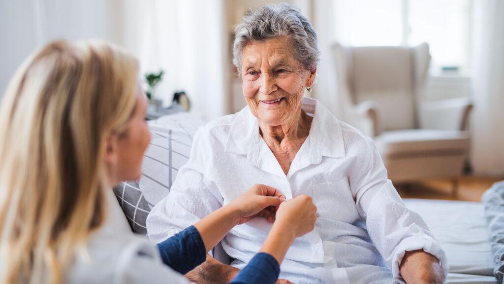 L'assurance dépendance facilite le quotidien des personnes en situation de perte d'autonomie