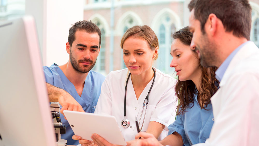 Un professionnel de santé libéral a tout intérêt à souscrire un contrat de mutuelle Loi Madelin